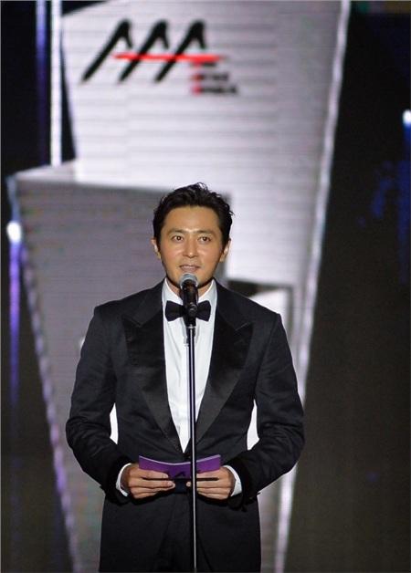 Jang Dong Gun tại lễ trao giải AAA 2019 được tổ chức tại Việt Nam