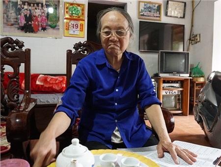 Bà Nguyễn Thị Chiến - Chi hội trưởng Chi hội Người cao tuổi thôn Yên Mỹ.