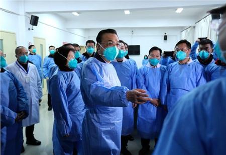 Thủ tướng Lý Khắc Cường dẫn đoàn kiểm tra tới Vũ Hán. Ảnh: Website chính phủ TQ