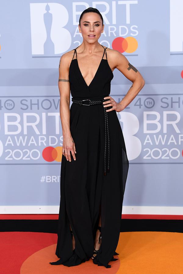 Mel C - cựu thành viên Spice Girls gợi cảm và quyền lực.