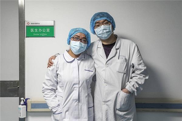 Cặp vợ chồng Li Yi và Ding Han mong rằng dịch mau sớm kết thúc để cuộc sống của mọi người trở lại bình thường.