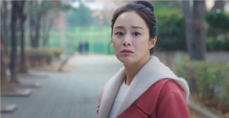 Tội cho 'hồn ma' Kim Tae Hee, xuyên suốt gần 1 tập phim 'Hi bye, mama' chỉ được diện duy nhất 1 bộ quần áo 2