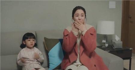 Tội cho 'hồn ma' Kim Tae Hee, xuyên suốt gần 1 tập phim 'Hi bye, mama' chỉ được diện duy nhất 1 bộ quần áo 3