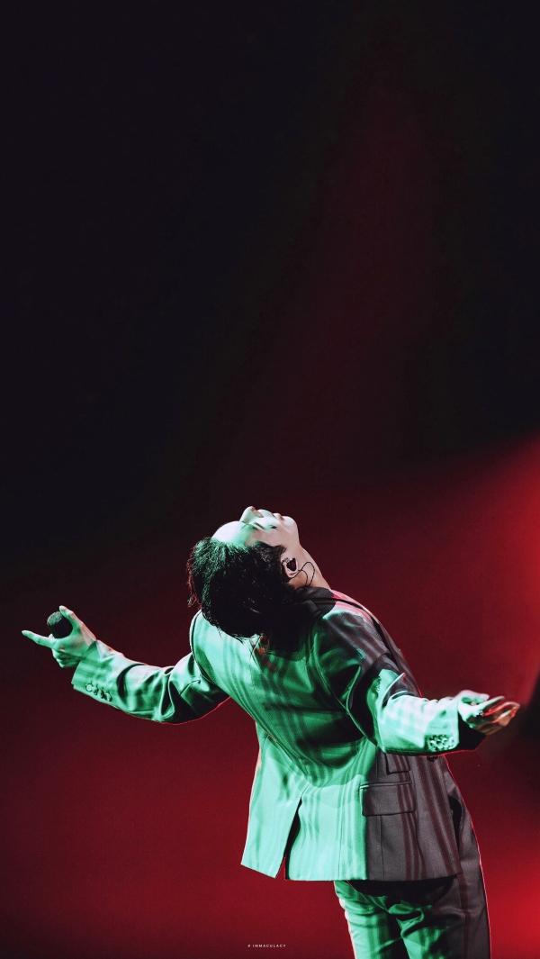 Lay (EXO) hóa thân thành Joker cực ngầu trên sân khấu 'Tôi là ca sĩ sáng tác' 0