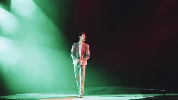 Hình ảnh hóa trang của Trương Nghệ Hưng trong màn trình diễn