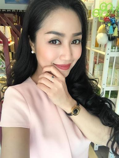 Ốc Thanh Vân vẫn duy trì kinh doanh mỹ phẩm làm đẹp online trong mùa dịch Covid-19