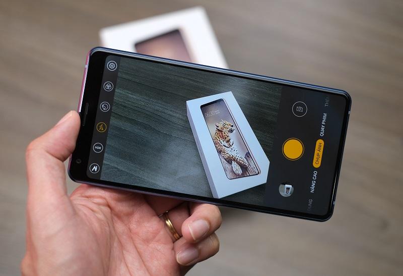 5 tính năng khiến hội nghiện selfie 'bồ kết' Bphone B86 vừa ra mắt của Bkav 1