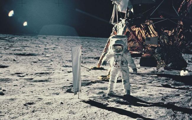 Phi hành gia Edwin Aldrin trên căn cứ Tranquility tại mặt trăng, thuộc sứ mệnh Apollo 11 của NASA vào tháng 7/1969 (Ảnh: Space Frontiers)