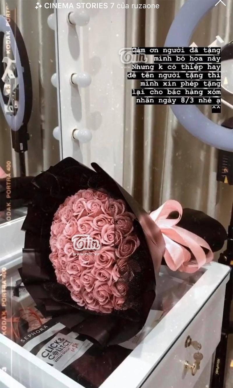 Hotgirl tố Quang Hải hẹn hò cùng lúc nhiều người, cùng đến một quán ăn, còn tặng bó hoa y hệt nhau 1