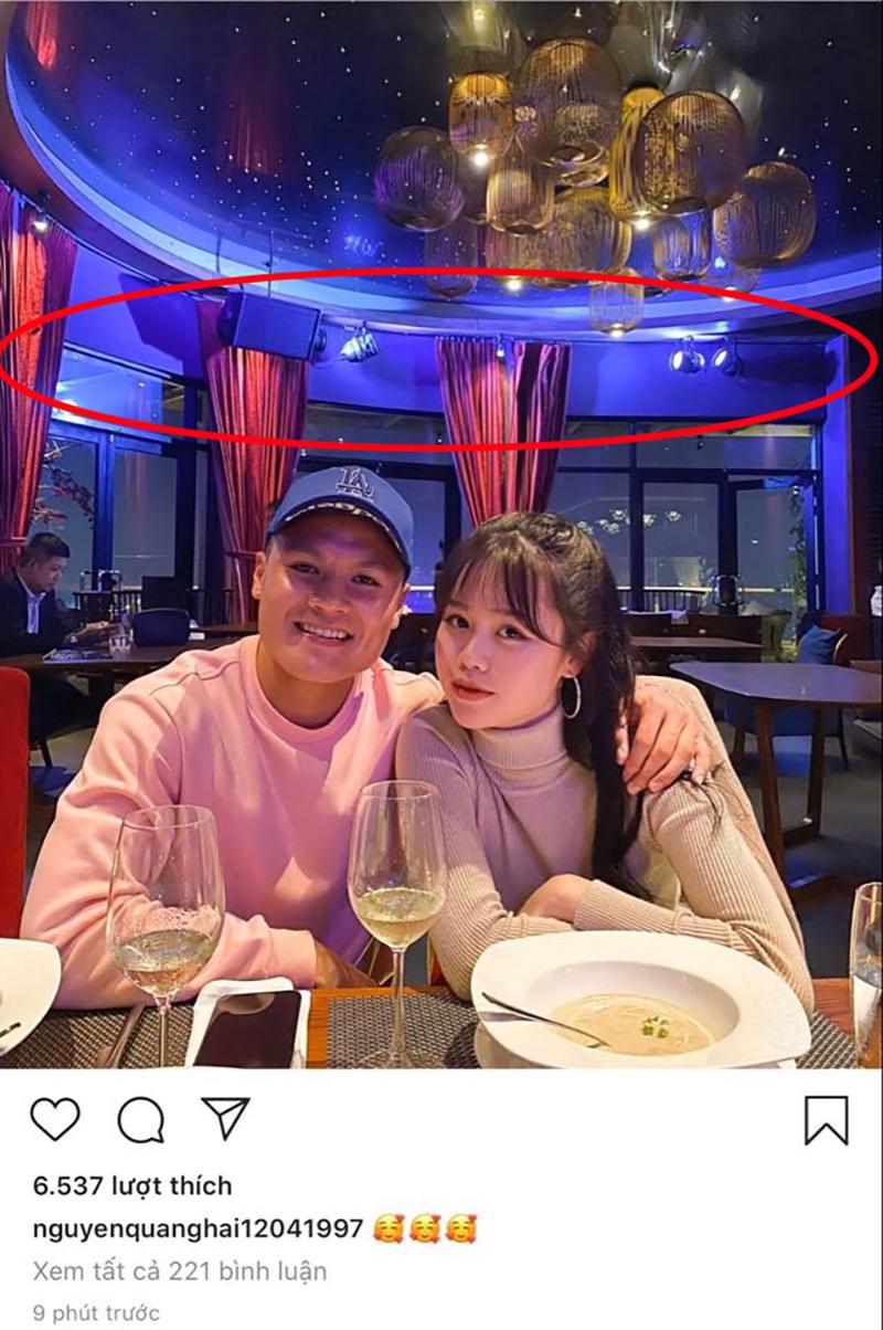 Trùng hợp với quán ăn anh chàng đưabạn gái mới Huỳnh Anh đi