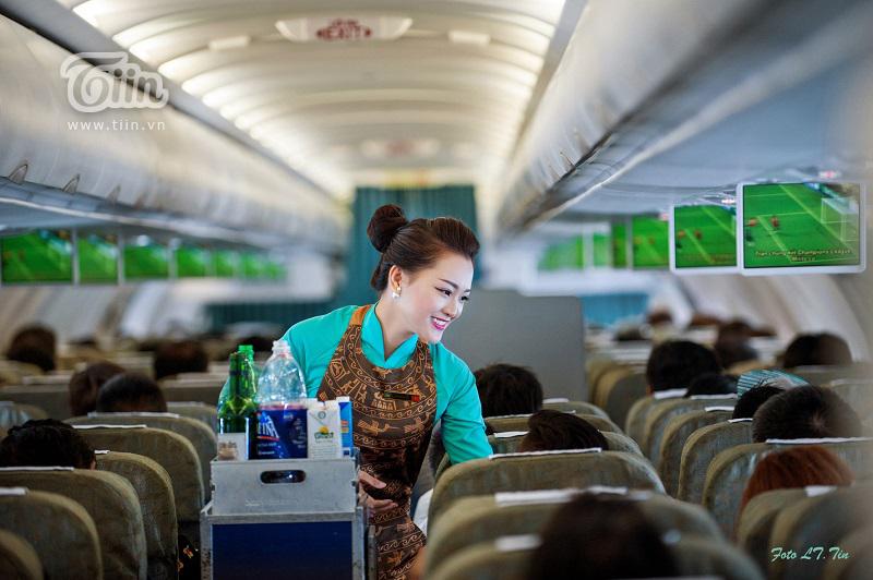 Tán đổ cô đồng nghiệp 'hạng thương gia',chàng tiếp viên Vietnam Airlines nhanh chân rước nàng về dinh sau màn cầu hôn lãng mạn ở Pháp 7