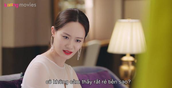 Lộ Na chê bai rằng sản phẩm của Chu Phóng rẻ tiền, chỉ xứng đáng so sánh với rác rưởi.