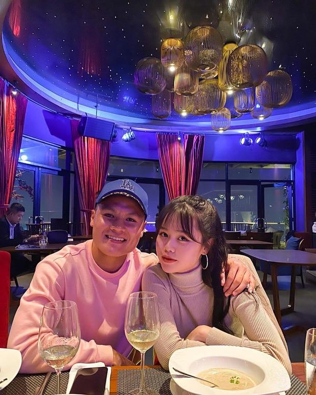 Quang Hải chính thức đăng ảnh công khai tình mới vào ngày 12/5.