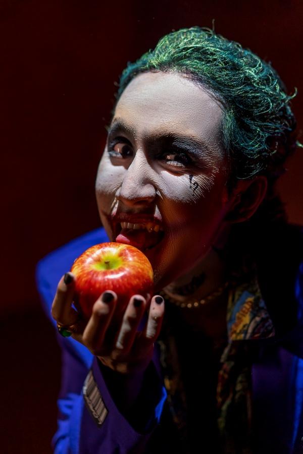 Hóa thân thành Joker đầy điên loạn, học trò Hoàng Thùy Linh muốn gửi gắm thông điệp gì? 3