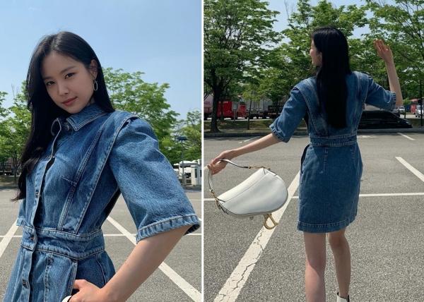 Chiếc đầm jeans đã đủ nổi bật nên việc Naeun (A Pink) cần làm chỉ là mix thêm với chiếc túi xách đang hot trend gần đây.