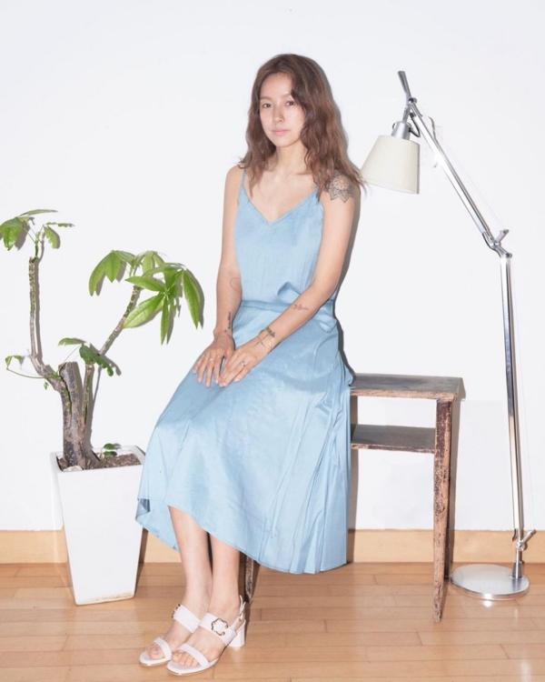 Lee Hyori tung bộ ảnh mới, các set đồ mang cảm hứng vintage đậm đà.