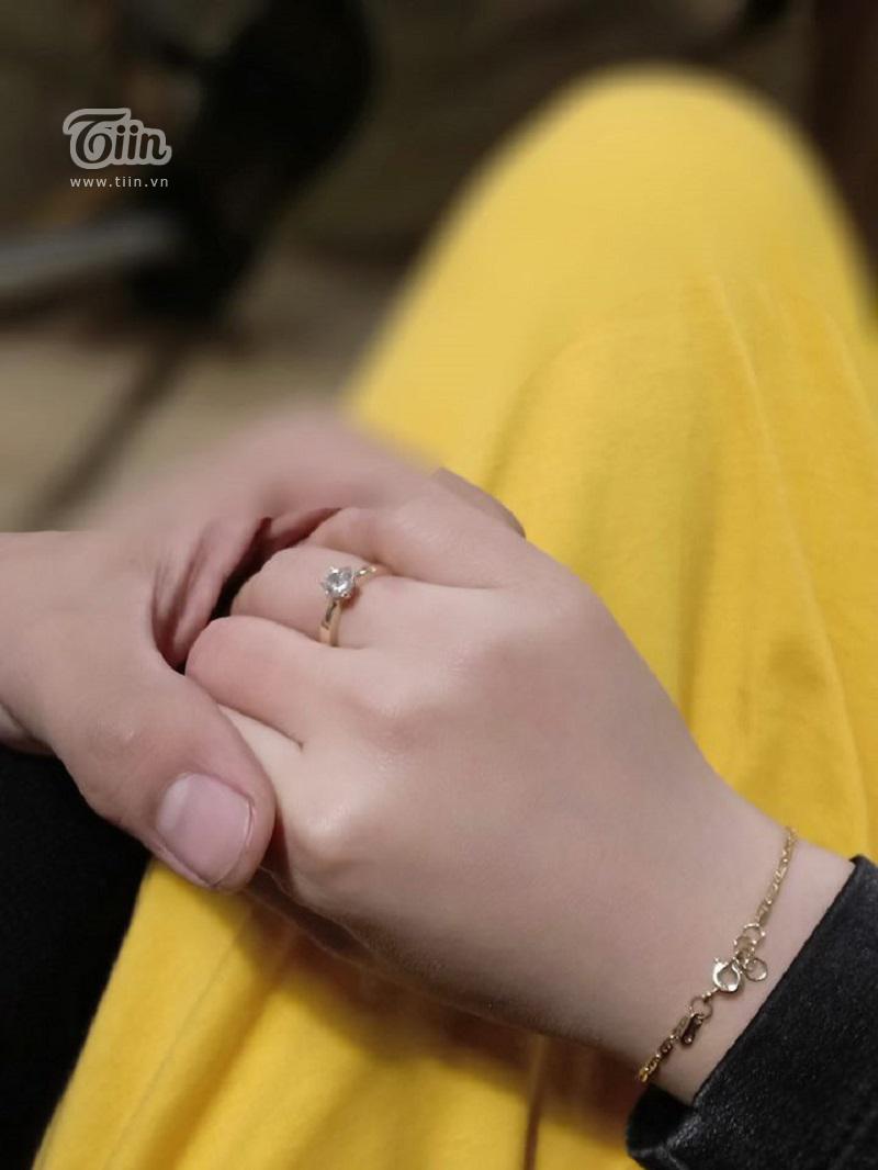 Ngọc Bảo cầu hôn Lệ Thu bằng chiếc nhẫn tự tay anh làm