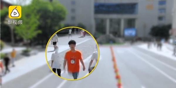 Flycam giám sát việc đeo khẩu trang cùng những lời nhắc dễ thương khiến sinh viên lập tức tuân thủ 1