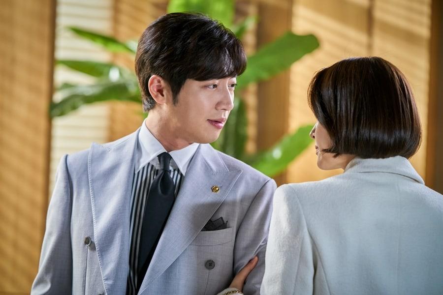 'Tình tay ba' căng thẳng giữa Choi Kang Hee, Lee Sang Yeob và Cha Soo Yeon trong 'Giả danh' 0