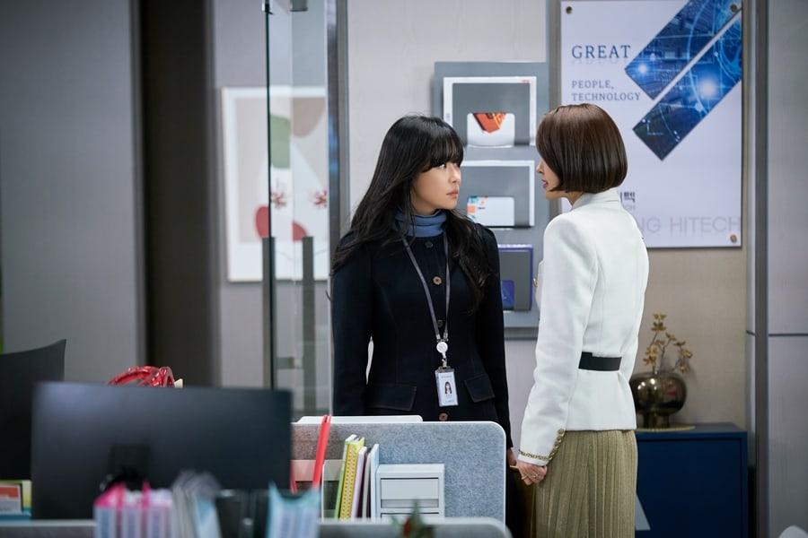 'Tình tay ba' căng thẳng giữa Choi Kang Hee, Lee Sang Yeob và Cha Soo Yeon trong 'Giả danh' 2