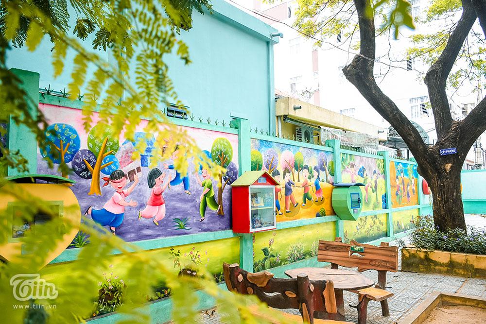 Chùm ảnh: Cây xanh trong trường học và nỗi ám ảnh gãy, đổ vào mùa mưa 15