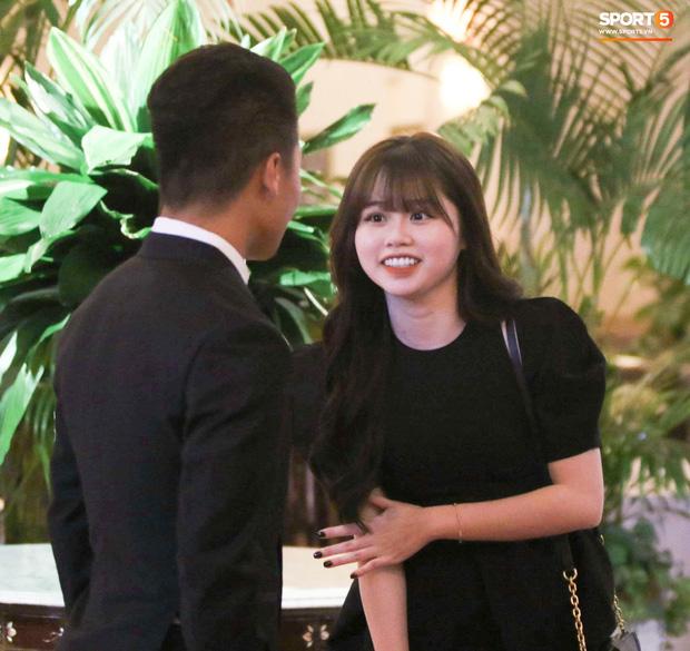 Quang Hải bất ngờ đưa bạn gái đến Lễ trao giải Quả bóng vàng Việt Nam 2020 3