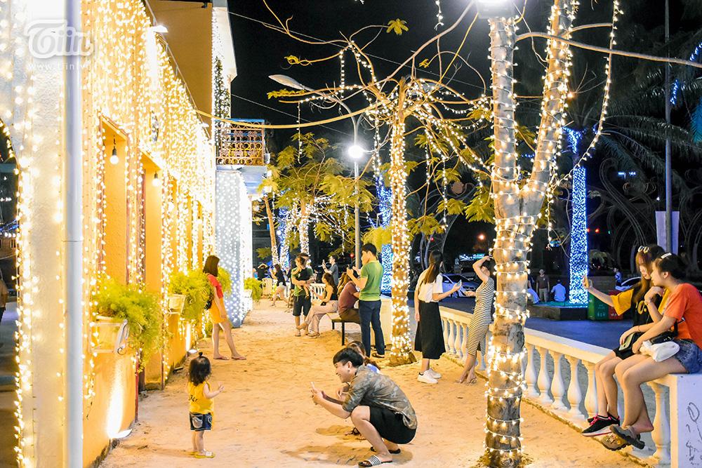 Mở cửa đón khách sau thời gian dài nghỉ dịch, chợ đêm Đà Nẵng khởi động nhộn nhịp mùa cao điểm du lịch 4