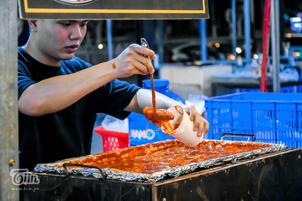 Mở cửa đón khách sau thời gian dài nghỉ dịch, chợ đêm Đà Nẵng khởi động nhộn nhịp mùa cao điểm du lịch 19