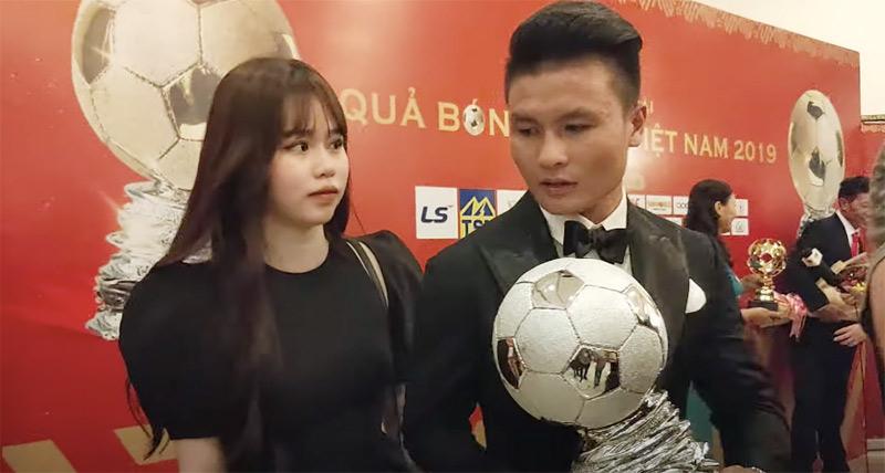 Huỳnh Anh gây chú ý khi lần đầu tiên cùng bạn trai công khai dự sự kiện lớn.