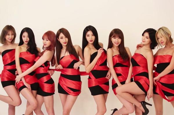 1 cách giảm cân từng khiến phái đẹp xôn xao là dùng ly giấy của nhóm nhạc toàn người mẫu chân dài Nine Muses.