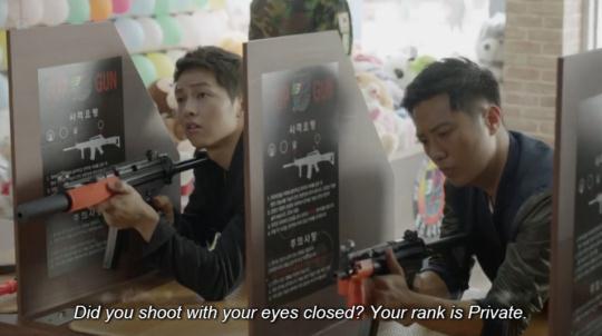 Lật lại 9 khoảnh khắc 'tình tứ' của Song Joong Ki và Jin Goo trong 'Hậu duệ mặt trời' 1
