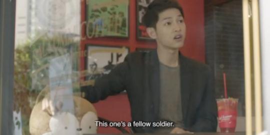Lật lại 9 khoảnh khắc 'tình tứ' của Song Joong Ki và Jin Goo trong 'Hậu duệ mặt trời' 4