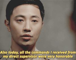 Lật lại 9 khoảnh khắc 'tình tứ' của Song Joong Ki và Jin Goo trong 'Hậu duệ mặt trời' 9