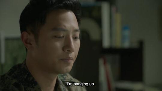 Lật lại 9 khoảnh khắc 'tình tứ' của Song Joong Ki và Jin Goo trong 'Hậu duệ mặt trời' 19