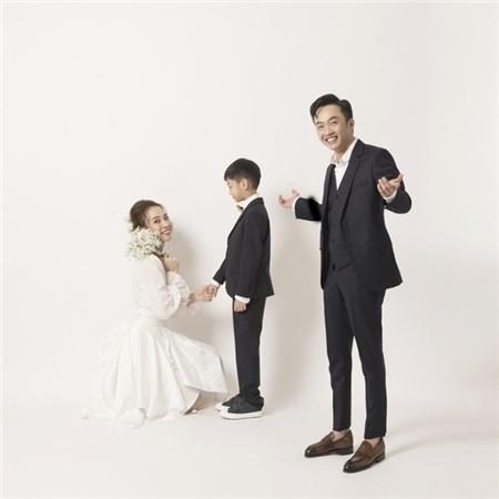 Đàm Thu Trang và con riêng của chồng có mối quan hệ rất tốt. Cô yêu chiều Subeo như con đẻ.