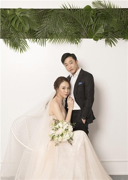 Đàm Thu Trang thay tới 8 bộ trang phục trong quá trình chụp ảnh