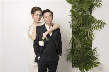 Cường Đôla hôn vợ say đắm trong loạt ảnh cưới mới, bé Subeo thân thiết nắm tay mẹ kế 8