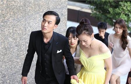 Phương Oanh vui mừng khi được gặp Huỳnh Tông Trạch ở LHP Busan 2