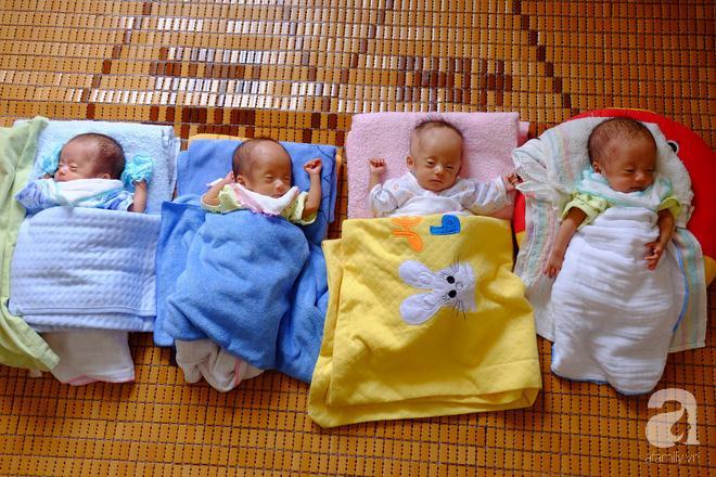 4 đứa bé được sinh khi 30 tuần tuổi.