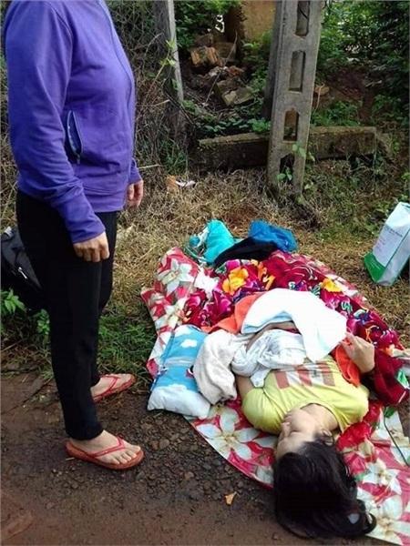 Cháu bé sinh non đã tử vong ngay sau khi sinh.
