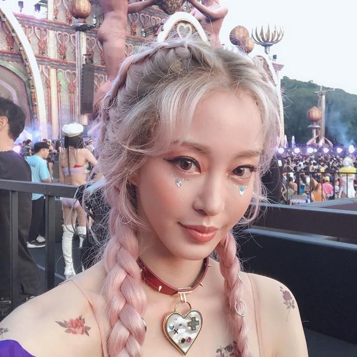 Han Ye Seul khoe nhan sắc như nữ thần tại lễ hội âm nhạc Coachella được diễn ra vào tháng 4 vừa qua