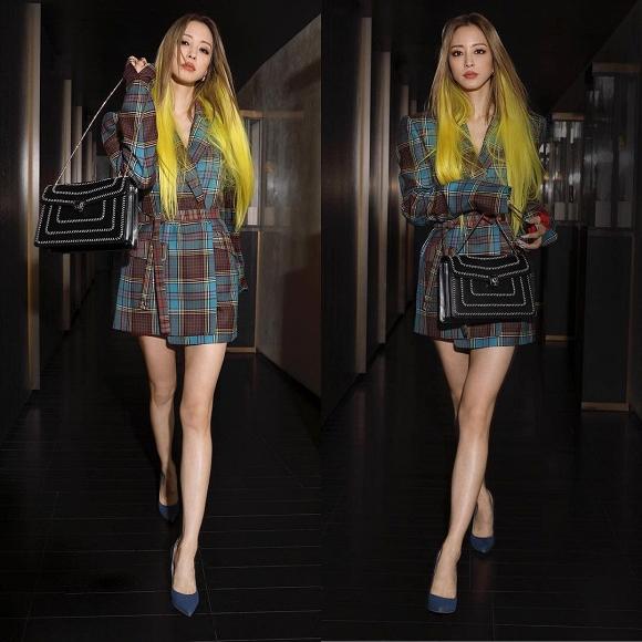 Dù nhuộm tóc màu vàng chóe nhưng Han Ye Seul vẫn khiến mọi người đổ gục vì xinh đẹp như búp bê