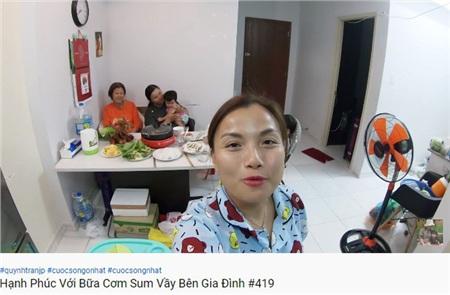 Bữa ăn bên gia đình của Quỳnh Trần JP.