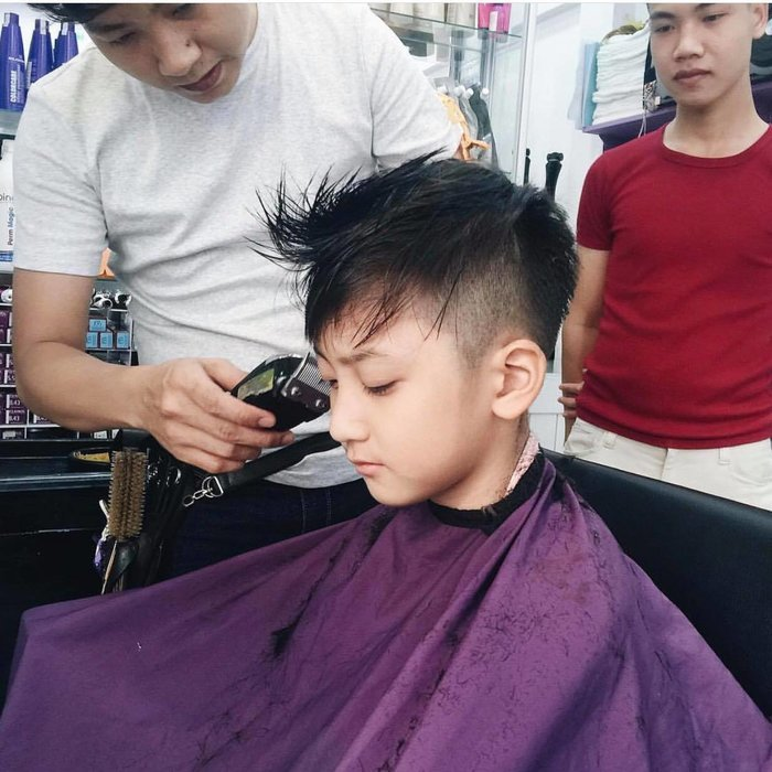 Em trai Khả Ngân chiếm trọn spotlight vì nhan sắc 'nổi bần bật' dù chung khung hình với hàng loạt sao Việt 5