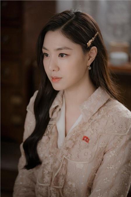 Giống nhau đến kinh ngạc, Seo Ji Hye và Irene (Red Velvet) là chị em thất lạc? 2