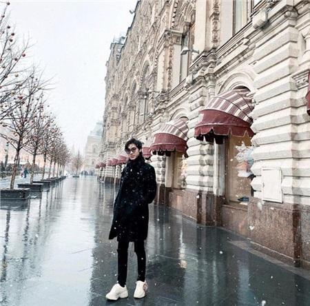 Mặc kệ 'kỷ lục 1,1 triệu dislike', K-ICM khoe loạt ảnh check in cực chất với tuyết trắng xóa tại Nga 1