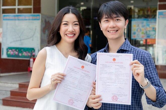 Thuý Vân đi đăng kí kết hôn: 'Từ giờ, tôi chính thức là người đã có gia đình' 1