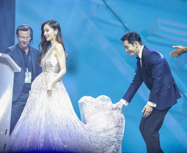 Hình ảnh gần đây nhất của Huỳnh Hiểu Minh và Angelababy là từ 1 năm trước.