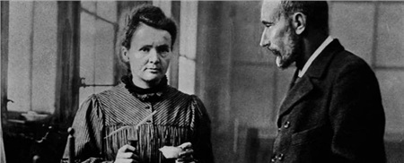 Ngôi mộ kỳ lạ của Marie Curie: Quan tài được lót lớp chì dày 2cm, bất kỳ ai đến thăm cũng phải mặc đồ bảo hộ 0