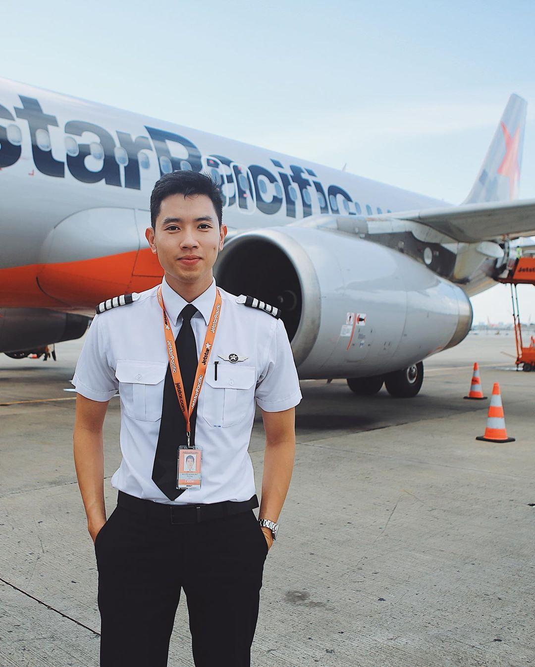 Cơ trưởng trẻ nhất Việt Nam - Quang Đạt tiết lộ những bí mật ít người biết về chi phí học tập và thu nhập siêu 'khủng' của nghề phi công 0